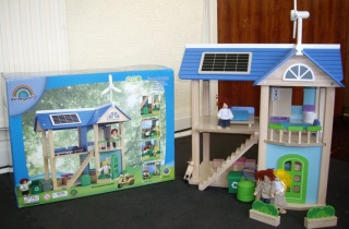 Packaging of the Wonderworld Eco-House