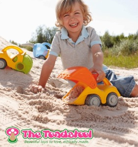 sensory play for older babies and toddler_sand play~TheToadstool.co.uk